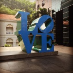 love statue a la philadelphia